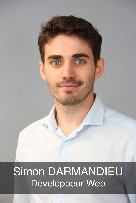 portrait photo du développeur web Simon Darmandieu