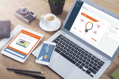 ordinateur portable ouvert sur un module e-learning de la plateforme Phosforea